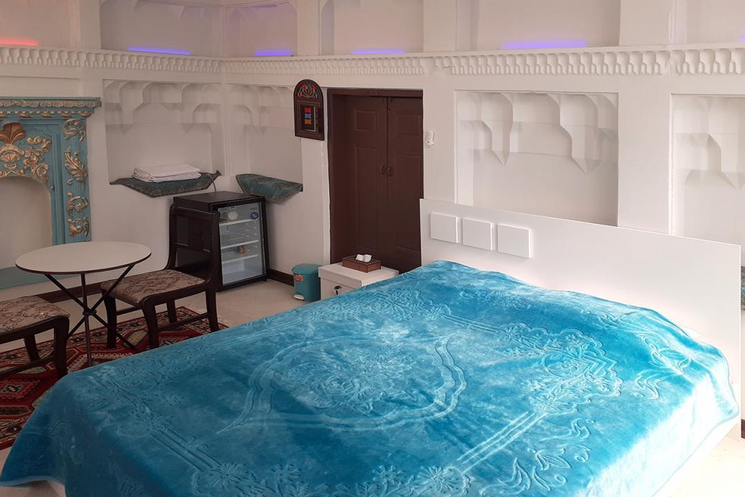 اقامتگاه سنتی طاها اتاق دو تخته دابل