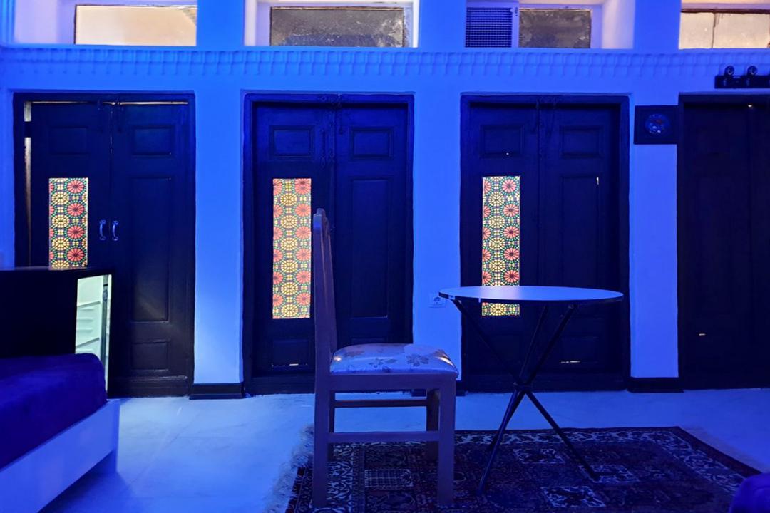 اقامتگاه سنتی طاها اتاق سه تخته سینگل