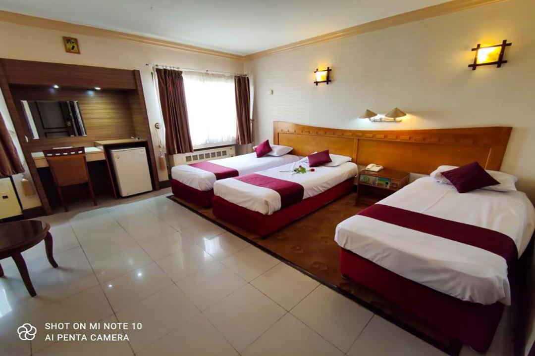 هتل آزادی اصفهان اتاق سه تخته سینگل