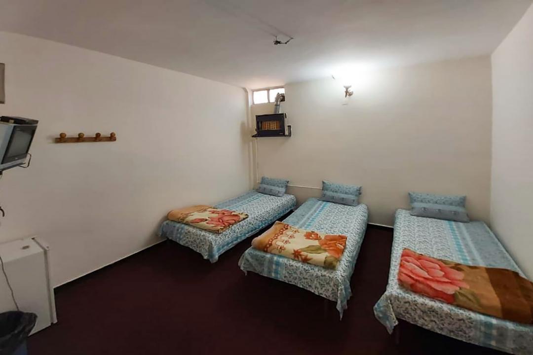 مهمانپذیر دشتی اتاق سه تخته سینگل - بدون سرویس