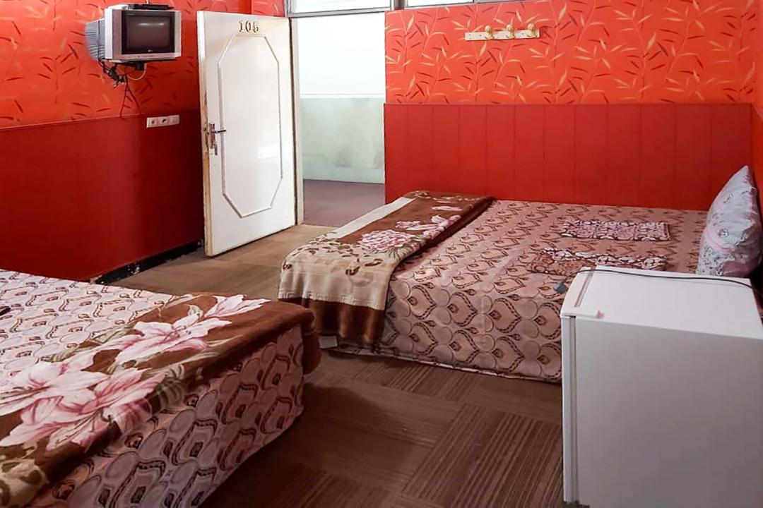 مهمانپذیر دشتی اتاق شش تخته کانکت
