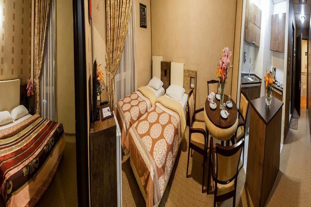 هتل فرهنگ و هنر اتاق چهار تخته دابل سینگل