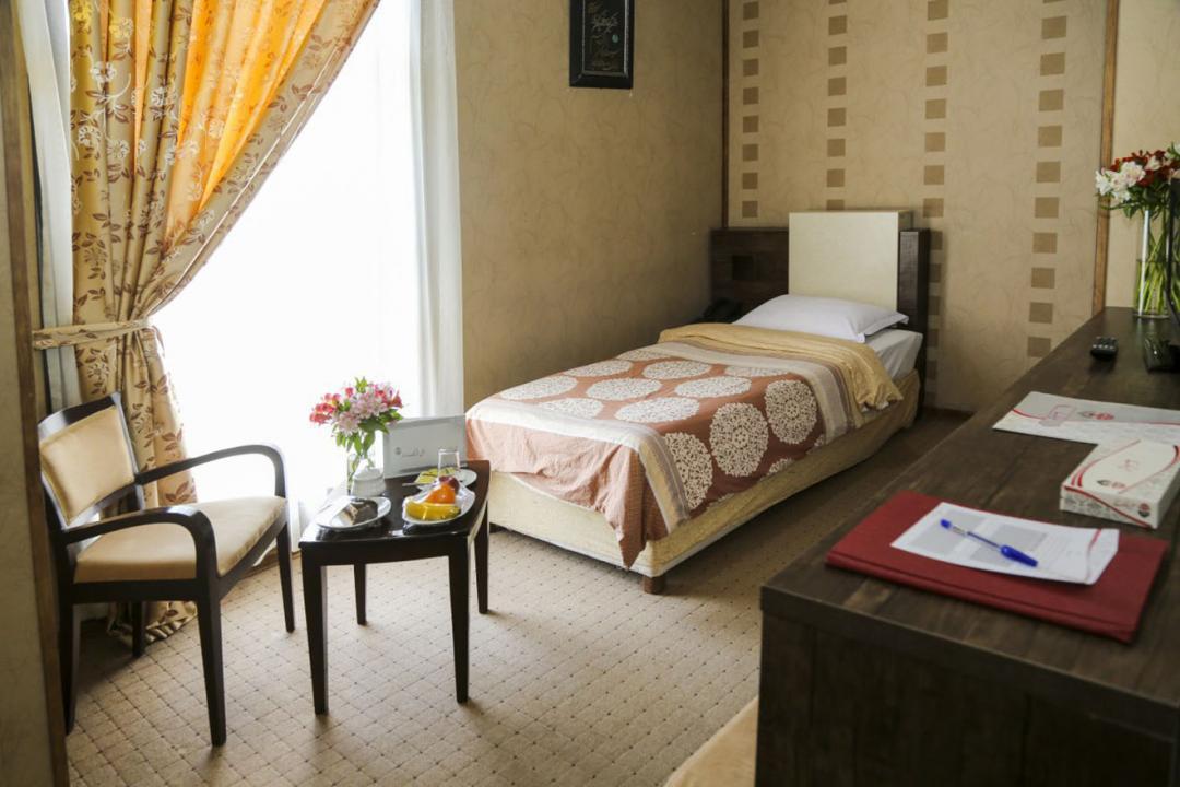 هتل فرهنگ و هنر اتاق یک تخته - بدون صبحانه