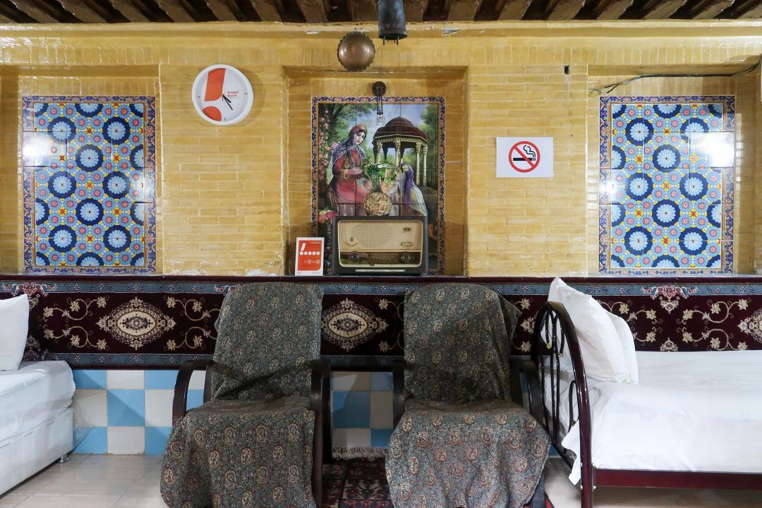 سرای سنتی گلشن اتاق چهار تخته دابل سینگل