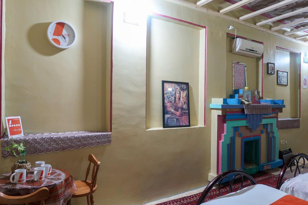 سرای سنتی گلشن اتاق پنج تخته سینگل