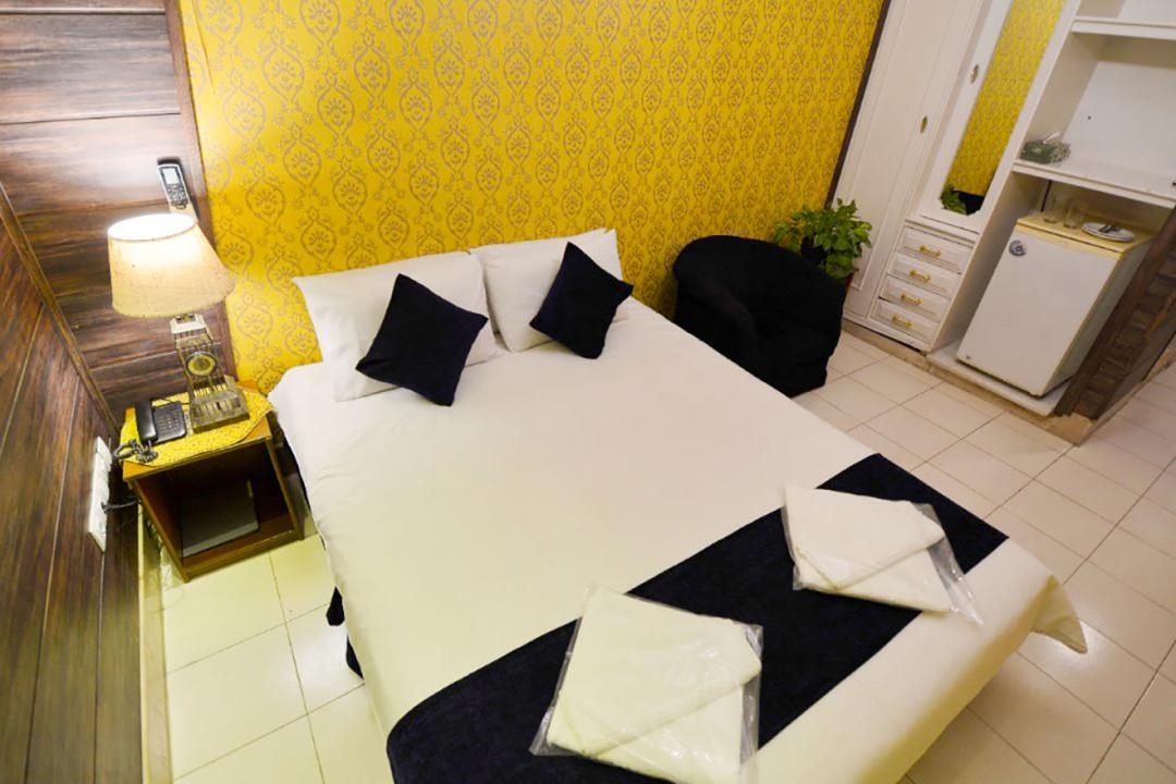 هتل حافظ شیراز اتاق پنج تخته دابل سینگل