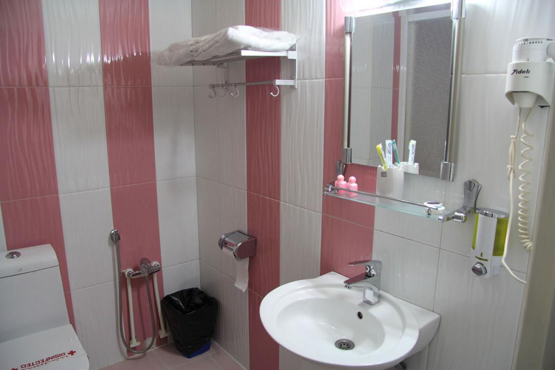 هتل ایران اتاق دو تخته برای یک نفر