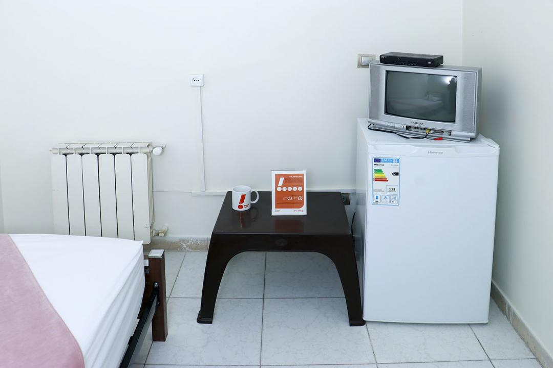 مهمانپذیر خانه تهران اتاق یک تخته - بدون سرویس با پنجره