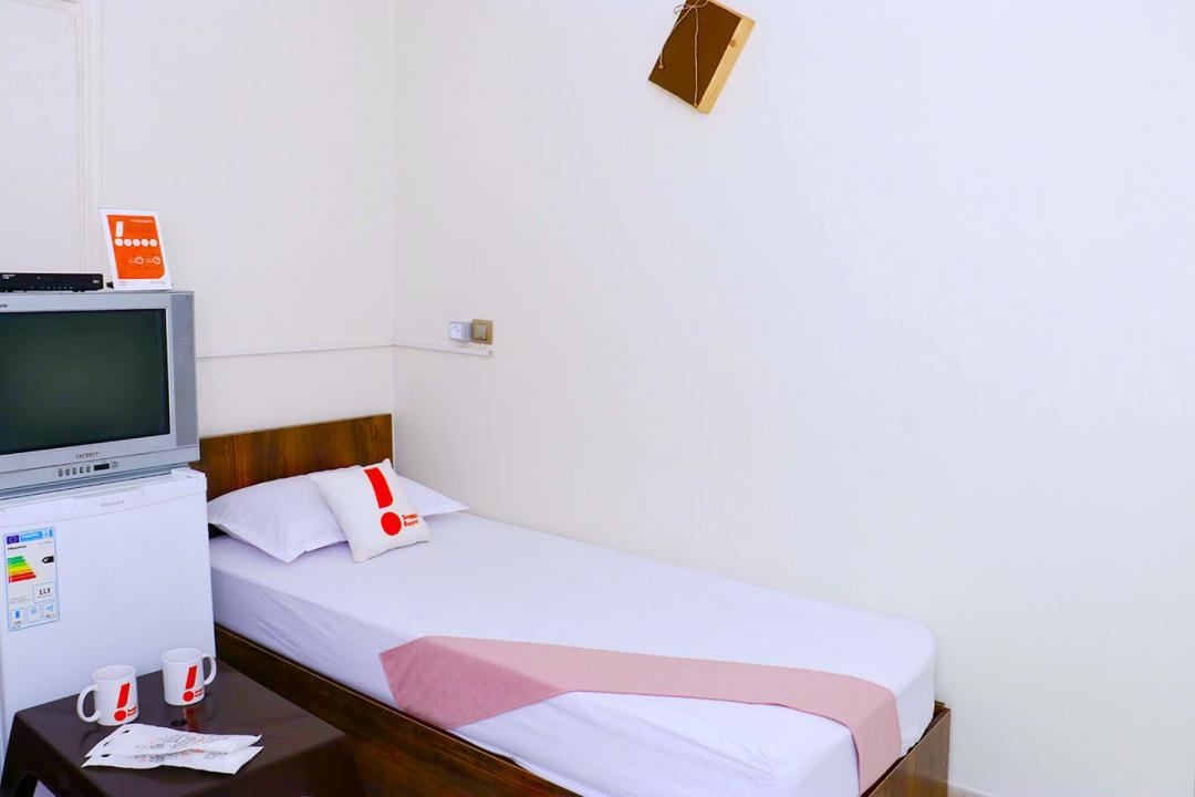 مهمانپذیر خانه تهران اتاق دو تخته سینگل - بدون سرویس