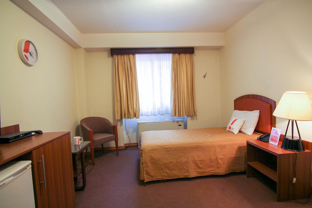 هتل مشهد اتاق یک تخته