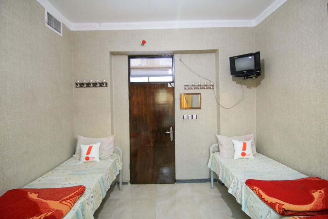 مهمانپذیر مشهد اتاق چهار تخته سینگل - بدون سرویس و حمام