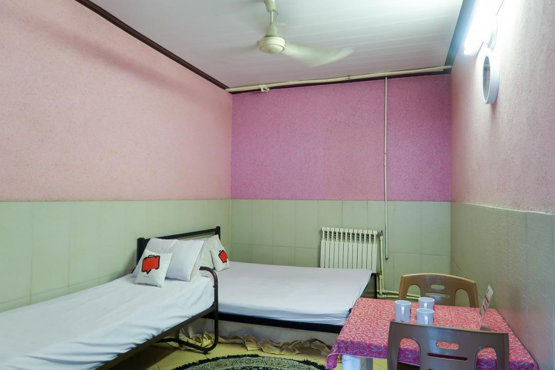 مهمانپذیر نمونه اتاق سه تخته دابل سینگل - بدون سرویس
