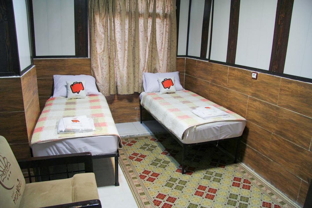 مهمانپذیر نیکو اتاق دو تخته سینگل - بدون سرویس با پنجره