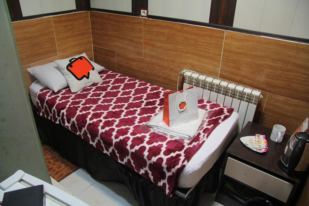 مهمانپذیر نیکو اتاق یک تخته - بدون سرویس و حمام و پنجره