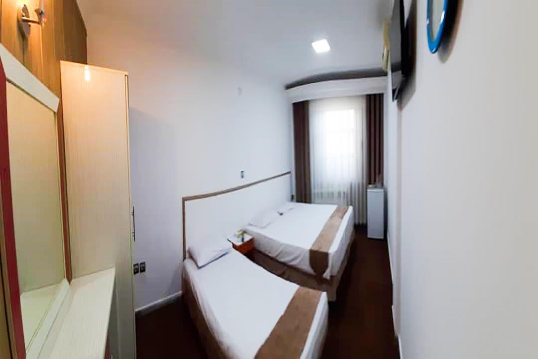 هتل پانیذ اتاق سه تخته دابل سینگل