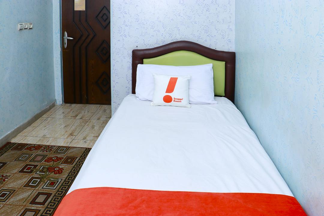 هتل سعدی اتاق یک تخته با حمام/بدون سرویس