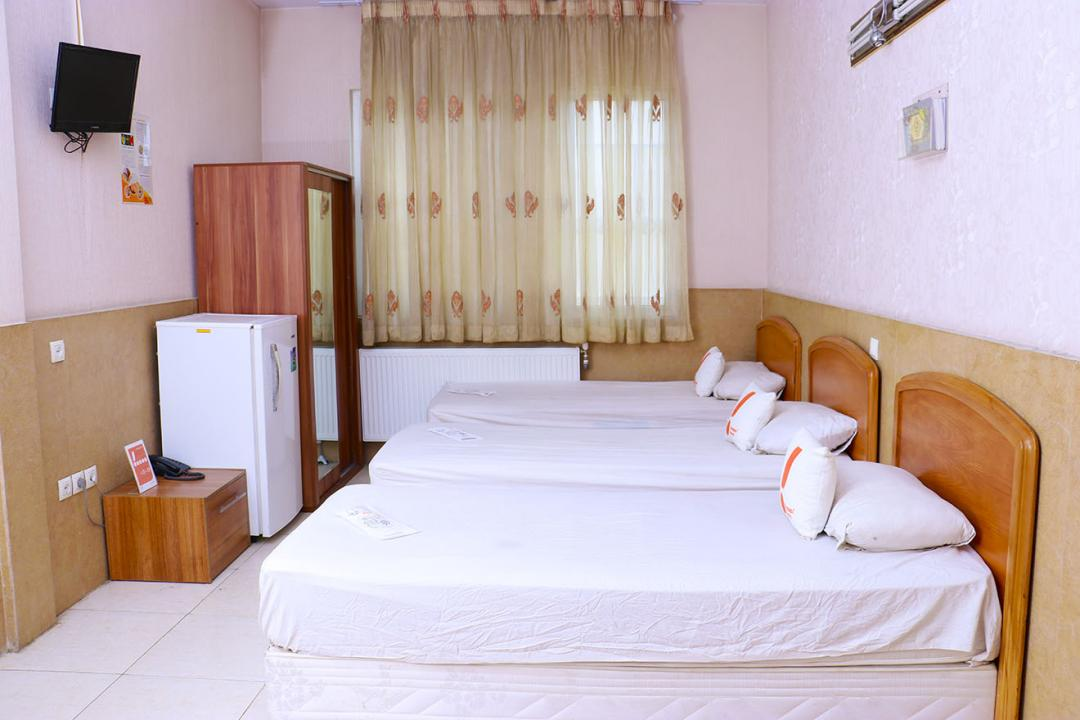 مهمانپذیر صدریه اتاق سه تخته  سینگل