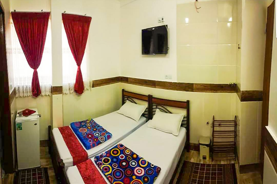 خانه مسافر شریف اتاق دو تخته سینگل