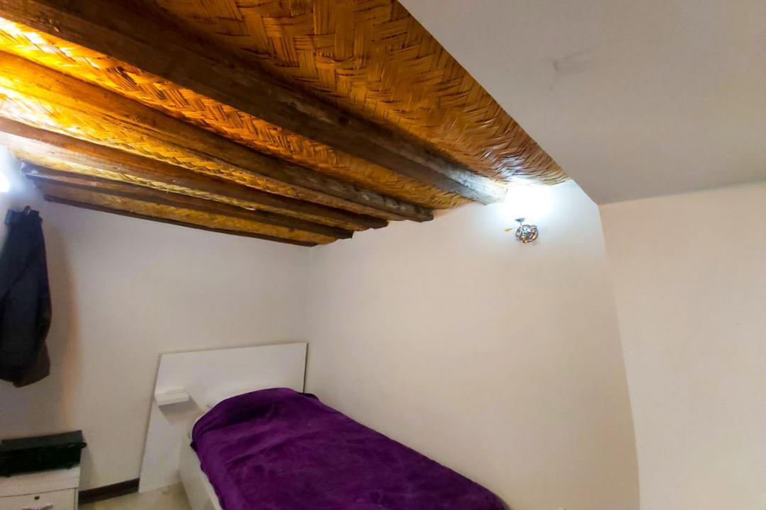 اقامتگاه سنتی طاها اتاق یک تخته - بدون سرویس