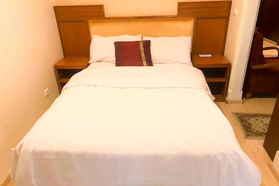 هتل آپارتمان تاوریژ سوییت یک تخته