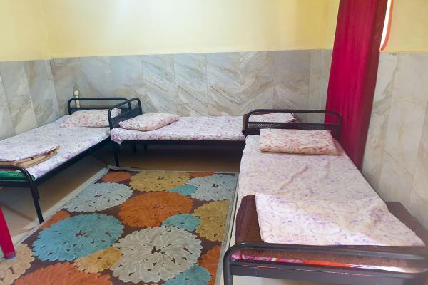 مهمانپذیر نادر اتاق سه تخته سینگل - بدون سرویساتاق سه تخته سینگل - بدون سرویس