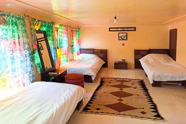 اقامتگاه سنتی سهراب اتاق چهار تخته سینگل - با حمام و سرویساتاق چهار تخته سینگل - با حمام و سرویس